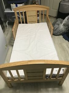 Toddler bed, good condition.