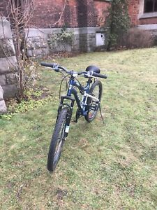 CCM Vandal 24 Boys 21  Speed Mountain Bike