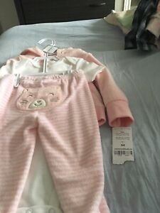 Girls outfit 12 months NWT .