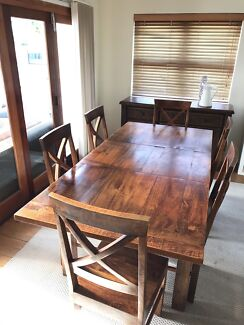 Quality 6 seat dining table set PRICED FOR QUICK SALE