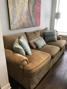 Thomasville Family Room Couch set
