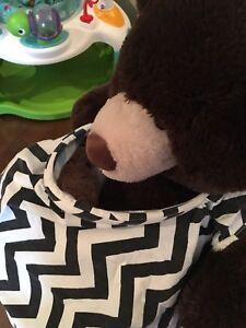Châle d'allaitement, lot de jouets pour bébé