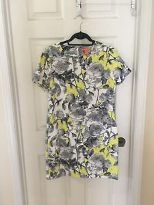 Floral dress with pockets