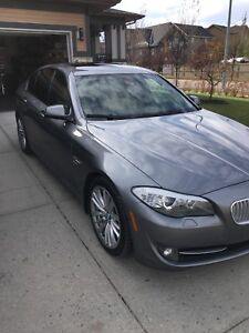 2011 BMW 550i xDrive Sedan Executive Package