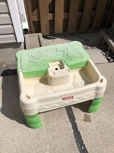Little Tikes sand and water table with cover