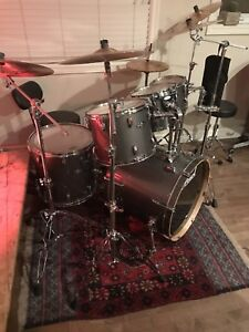 Pearl Pro Vision Lacquer Graphite Drum kit *Mint condition*