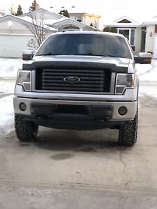 2011 Ford F150 FX4 5.0 V8 * Leveled, exhaust , upgrades *