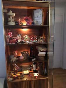 Display cabinets (2pcs)  / Armoires