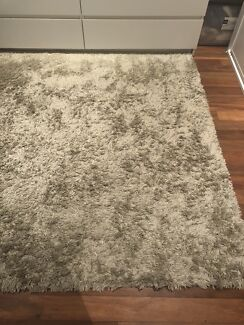 Ikea shaggy grey rug