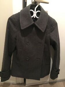 Previously loved women's H&M coat size small 36