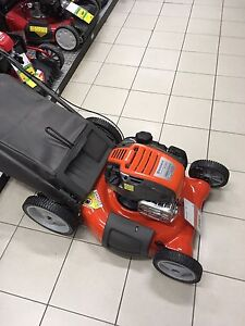 Huscavarna Lawn Mower- engine is seized- *for parts only