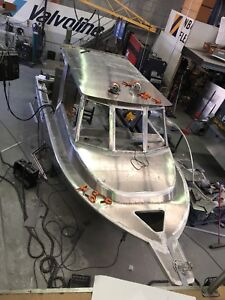 Aluminium boat repairs modifications , new builds
