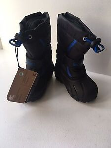 New Sorel boys winter boots size 7 (2 pairs)