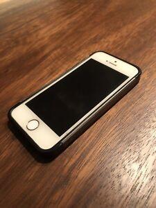 iPhone 5S  64 gigs débloqué