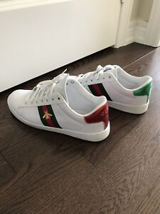 Gucci ace shoes - size 9.5 men (like new)