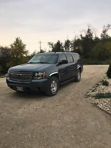 2009 Chevrolet Suburban 1500 5.3L $6500!sold sold sold