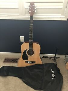 Left Handed Acoustic Guitar
