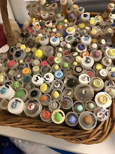 Buttons by the tube Malaga Swan Area Preview