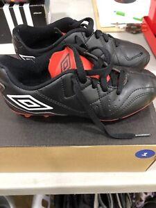 Souliers de soccer - enfants à vendre