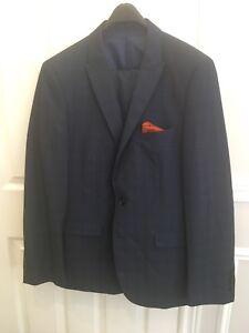 Navy men's suit - size 38R