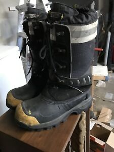 Dakota Men's Protective Winter Boots - Size 10