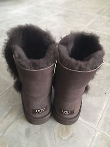 UGG boots like new moving sale size 6