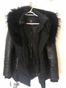 Manteau d'hiver VRAIE FOURRURE 400$
