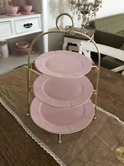 Rep $65 New Pastel pink maxwell Williams three tier cake stand