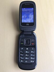 ZTE Z222 Flip Phone Locked To Rogers, Fido, Chatr in Great Cond!