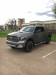2011 dodge 1500 fully loaded tons of extras