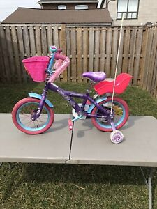 Girls bike with additional accessories
