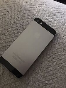iPhone 5s 10/10 condition