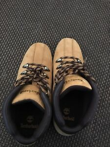Timberland boots barely worn size 9