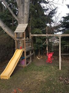 Play structure