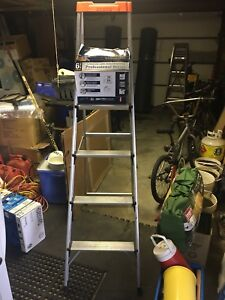 6' PROFESSIONAL SERIES ALUMINUM STEP LADDER; BRAND NEW