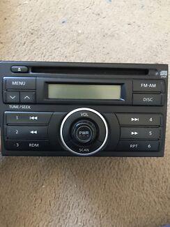 Cd player / radio - Nissan Tiida