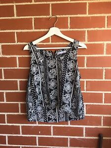 Ripcurl black and white patterned singlet Woolooware Sutherland Area Preview