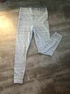 Ladies Tahlua Leggings from Aritzia