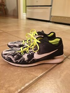 New with tags .  Ladies Nike sneakers size 6.5