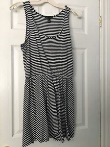 Forever 21 striped black and white summer dress - never worn