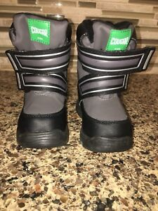 New Cougar boys winter boots - size 5