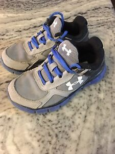 Size 11 boys under armour sneakers