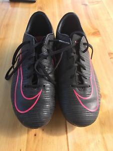 Chaussures de soccer Nike modèle mercurial