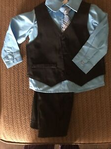 Gorgeous, never been worn 4 piece suit