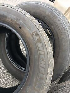 235/65 R17, 4 MICHELIN MXV4 all season tires with rims, 9/32