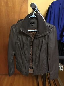 Le Chateau brown pleather jacket with pockets in CS