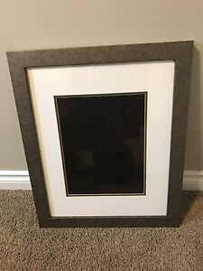 2 picture frames for sale!