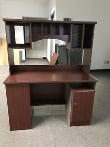 Free desk,  need gone today