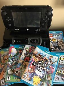 Wii U 32GB Deluxe Console & Games