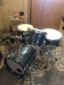 Lugwig 4 piece drum set